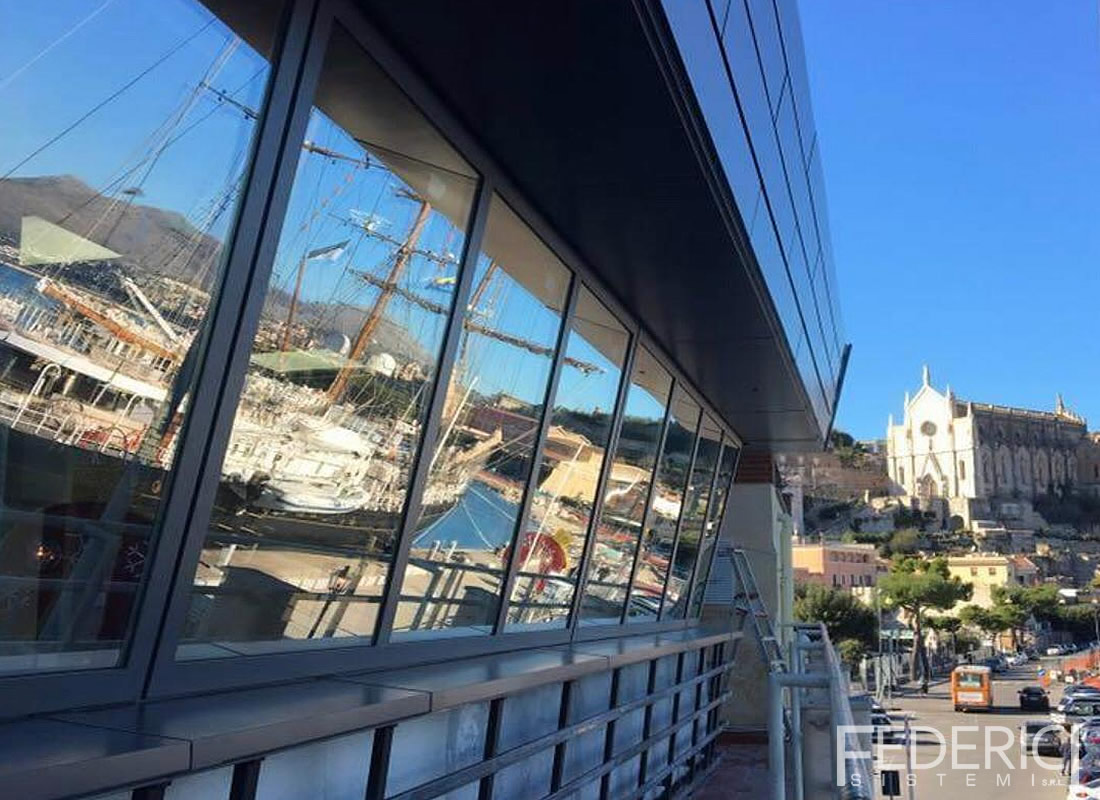Capitaneria di porto di Gaeta. Infissi realizzati da Federici Sistemi